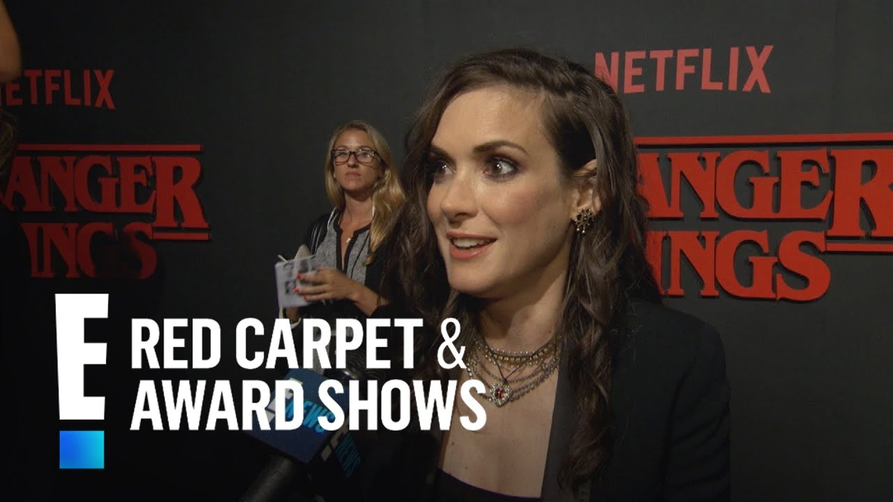 Winona Ryder Works On First Series Stranger Things E Red Carpet Award Shows Youtube