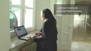 24 - Ordensschwestern ganz modern mit Notebook und Transponder