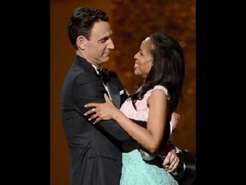 Tony Goldwyn Fitz Presents Kerry washingtonOliviawith Award for Scandal