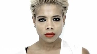 Watch Kelis Brave video