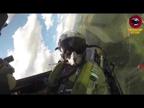 Dansk F-16 Pilot Laver High-Level Demoflyvning
