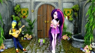 How to Make a Doll School: Courtyard | Plus Custom MLP Flash Sentry