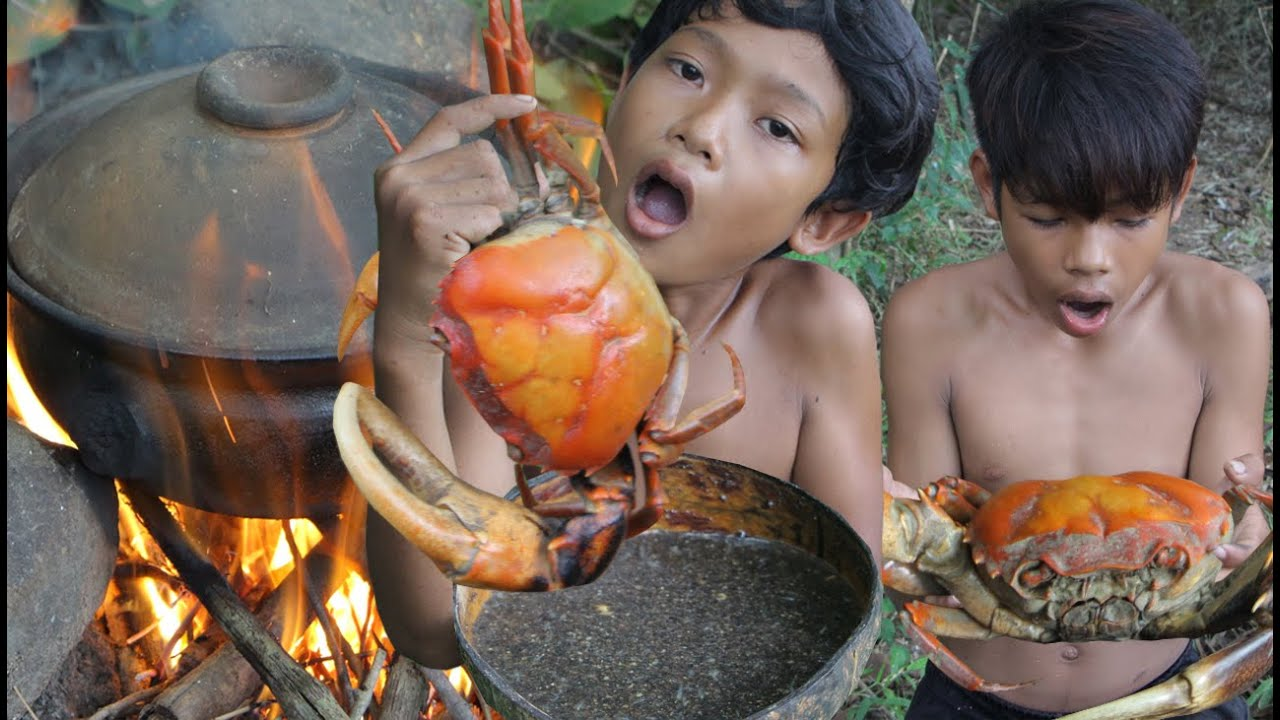 Primitive Technology - Awesome cooking crab - eating delicious