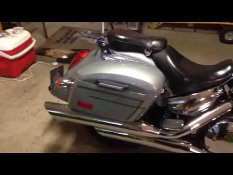 2005 Honda VTX 1300 R Motorcycle Saddlebags Review - vikingbags com