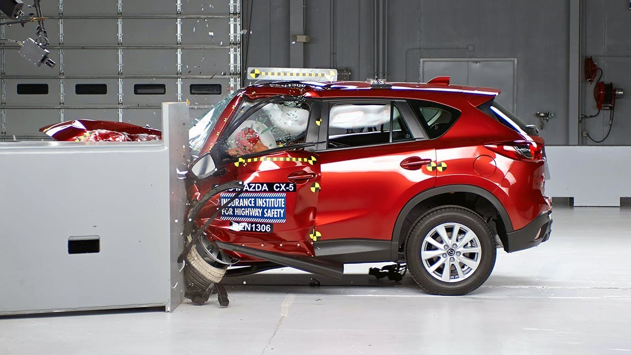 2013 mazda cx 5 small overlap iihs crash test youtube. Black Bedroom Furniture Sets. Home Design Ideas