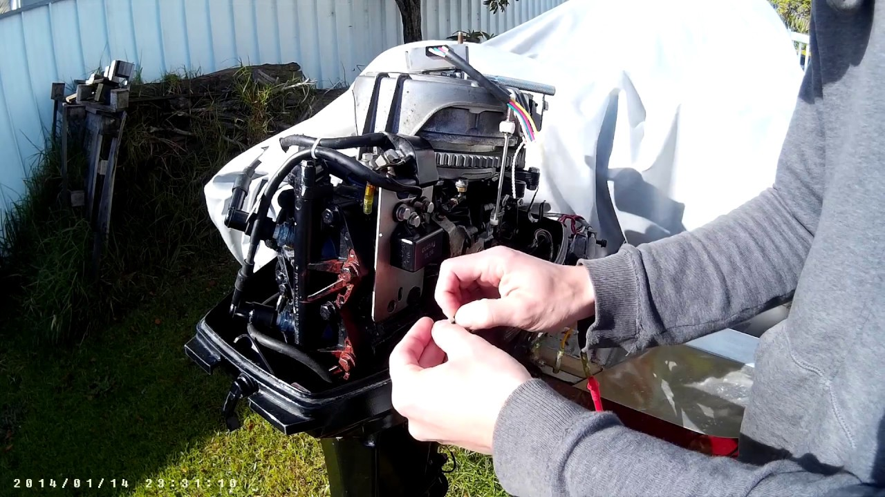 a cheap way of installing a rectifier voltage regulator on a 30 hp mariner mercury [ 1280 x 720 Pixel ]