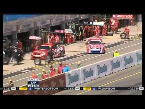 V8 2011 Adelaide Race 3 Highlights