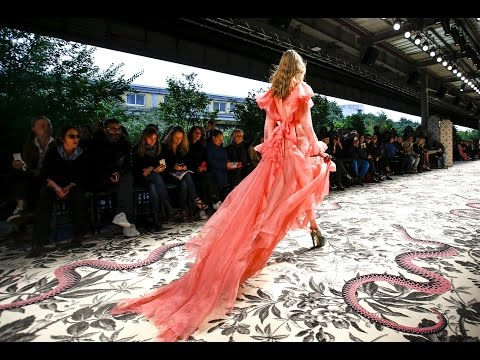 Gucci | Spring Summer 2016 Full Fashion Show | Exclusive