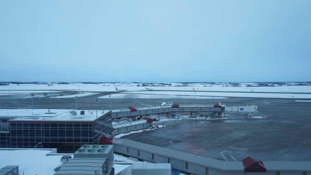 Blue apron edmonton - Runway Timelapse At Edmonton International Airport Yegventures Ca Flyeia