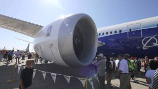 Boeing 787 Dreamliner em Oshkosh - Veja de perto parte 2