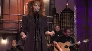 Reba McEntire - And Still [Live]