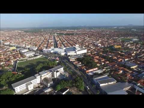 Sobrevôo de Drone Sobre o Centro Antigo de Maracanaú (2017)