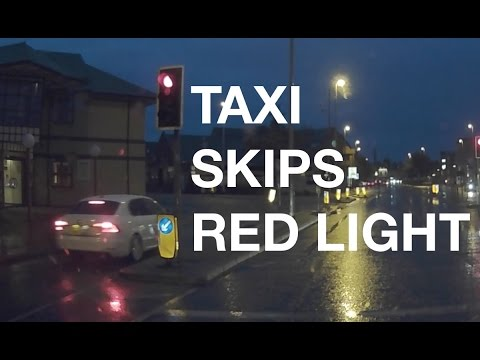 Taxi Skips Traffic Lights in East Road, Cambridge
