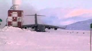US Air Force C17 Starlifter landing in Antarctica
