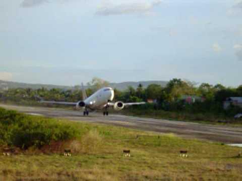 Departing Tagbilaran City Airport, Bohol - PAL Boeing 737-300