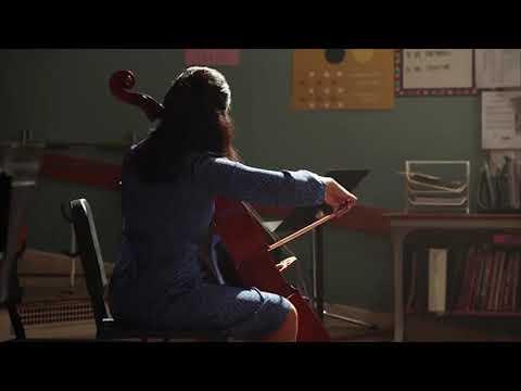 07-sheldon-playing-piano-young-sheldon