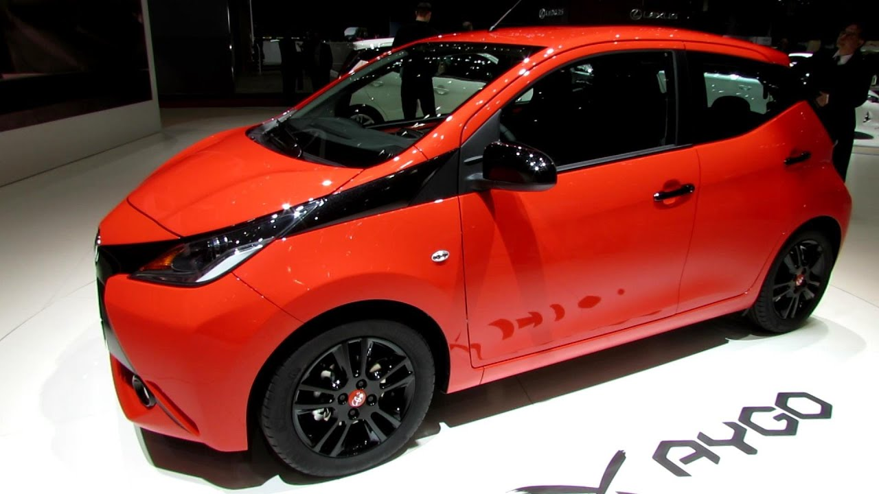 2015 toyota aygo exterior and interior walkaround debut at 2014 geneva motor show youtube - Toyota aygo interior ...