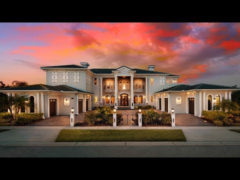 Come and see this huge, fantastic 9 bedroom mansion in Orlando, Florida close to Disney World