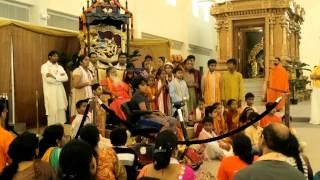 Chanting Bhagavad Gita in front of ganapathi sachidananda swamiji