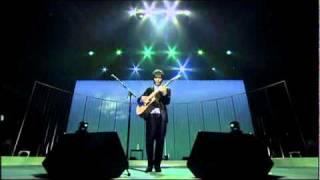 Kotaro Oshio plays 旅の途中 On a trip