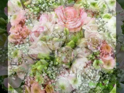floristika-buketi-iz-zhivih-tsvetov-video