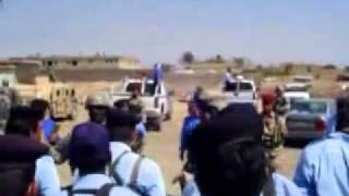 US Army Sgt gives iraqi police a telling off-This is awesome