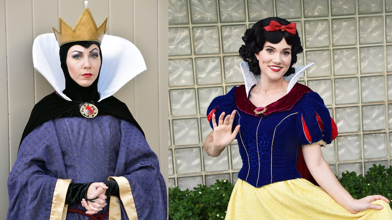 The evil queen and snow white meet us at disneys hollywood studios the evil queen and snow white meet us at disneys hollywood studios walt disney world youtube m4hsunfo