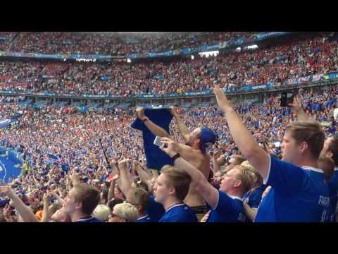 Icelandic national anthem 22.jun Stade de france em 2016