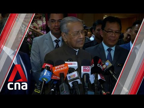 Download  Mahathir has made it quite clear he doesn't think Anwar is right person to lead Malaysia: Analyst Gratis, download lagu terbaru