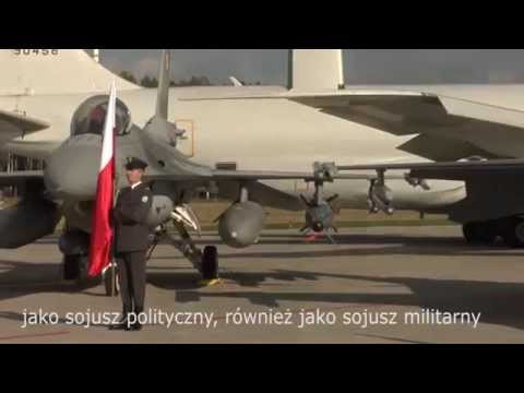 Sekretarz generalny NATO w 32 Bazie Lotnictwa Taktycznego w Łasku