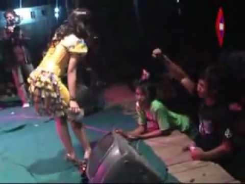 Asmara Terpendam - Dwi Ratna - New Pallapa Live Pasarbanggi Rembang, 2011 by Cah Pwd