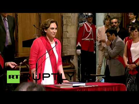Spain: Anti-eviction activist Ada Colau sworn in as new Barcelona mayor