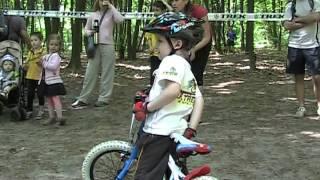 Велоспортсмен LOGIN NICOLAI.mpg(21 мая 2011г. Киев, парк Дубки. Детская велогонка