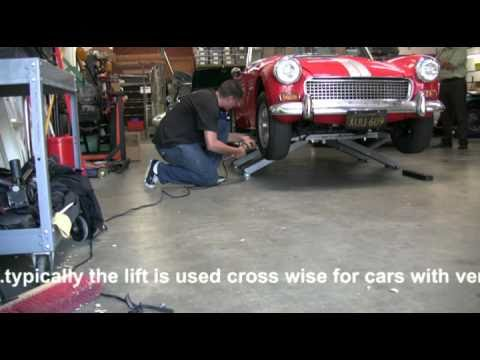 EZcarlift - lifting an Austin Healey Sprite