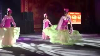 Китайские танцы  3 танцовщицы