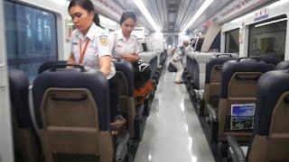 Video Mewahnya Kereta Api Bandara Kualanamu Medan - Railink Kualanamu (Kereta Api Indonesia terbaru 2016) download MP3, 3GP, MP4, WEBM, AVI, FLV Juli 2018