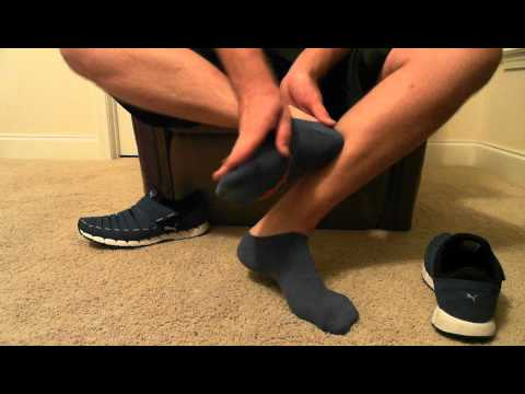 how to stop bare feet squeaking in shoes