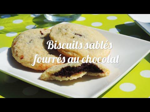 biscuits-sablés-fourrés-au-chocolat