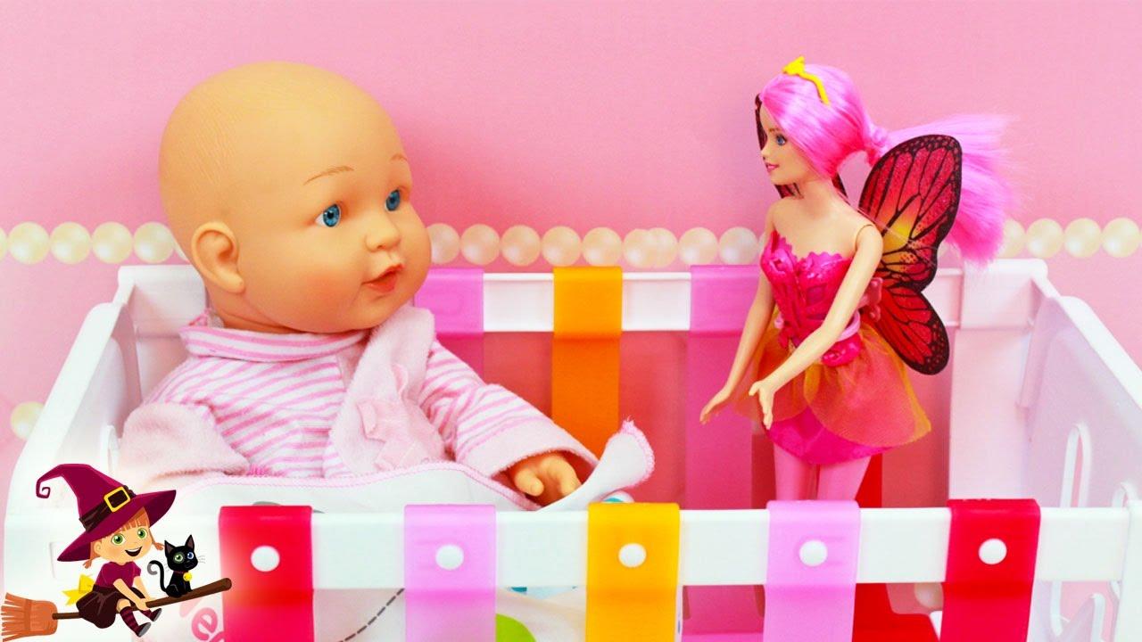Hada Barbie Visita a la Bebé en su Dormitorio - YouTube