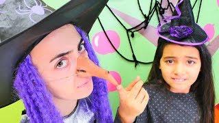 Cadı Emily sınavına çalışmıyor ve yanlış sihir yapıyor!