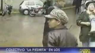 Lina y la piedrita en las puertas de Globovisión