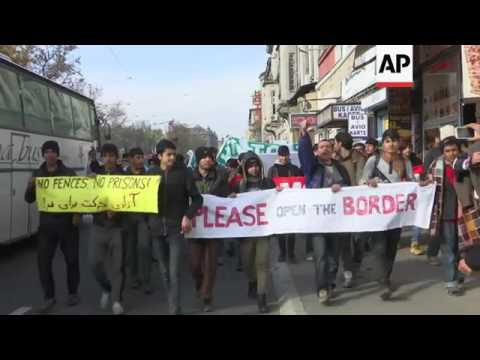 Migrants in Serbia demand EU open borders