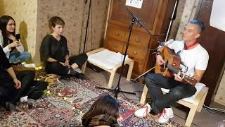 "Yavi - ""Mama's Smokin'"" - Sofar Sounds Sofia 5.11.17"