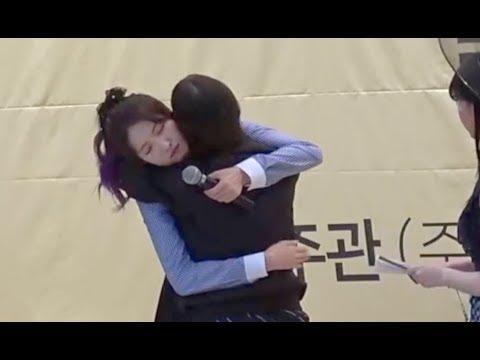 download [ENG] 180519 Gfriend fansign, Eunha birthday surprise? Yuju phone case, Unnie line, Yerin drop phone