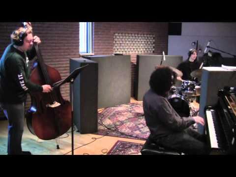 """Joe Davidian Trio - """"In Love In Vain"""""""