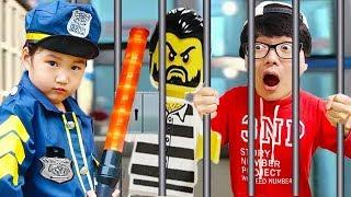 Boram and Lego City Mountain Police toys