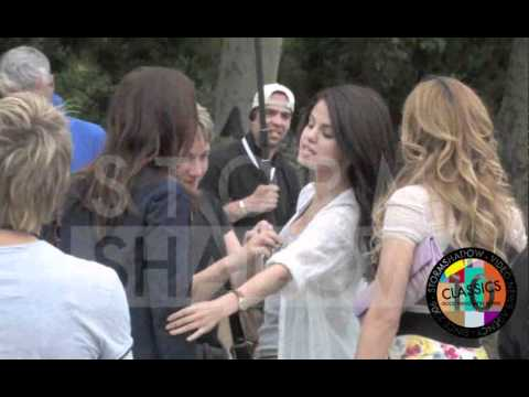 "Selena Gomez and ""Gossip Girl"" Leighton Meester shootin ""Monte Carlo"" film"