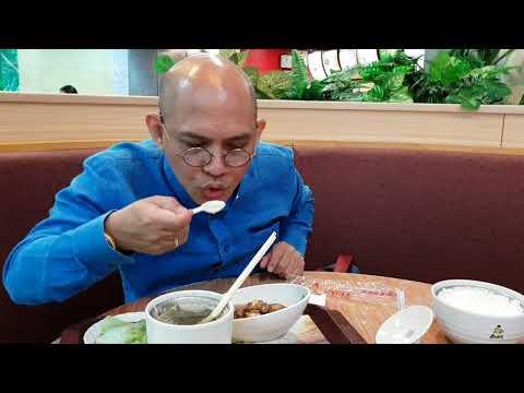 Lý Tiểu Long mở chuỗi Kungfu quán vì mê món ăn khẩu vị Việt