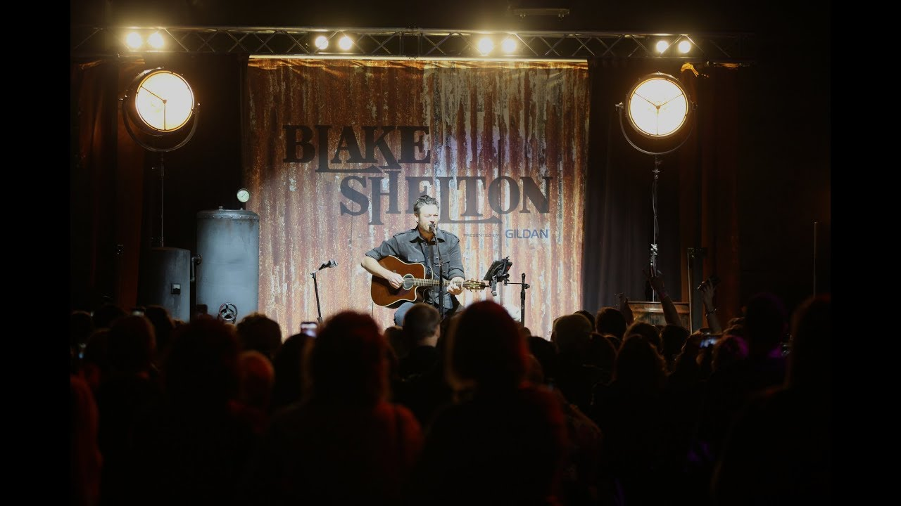 Blake Shelton VIP Experience Country Music Freaks Tour