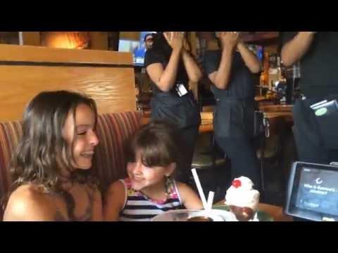 Allie Goes BUCK WILD At Applebee's On Mikayla's Birthday (FUNNY/ NUTS) LOL!